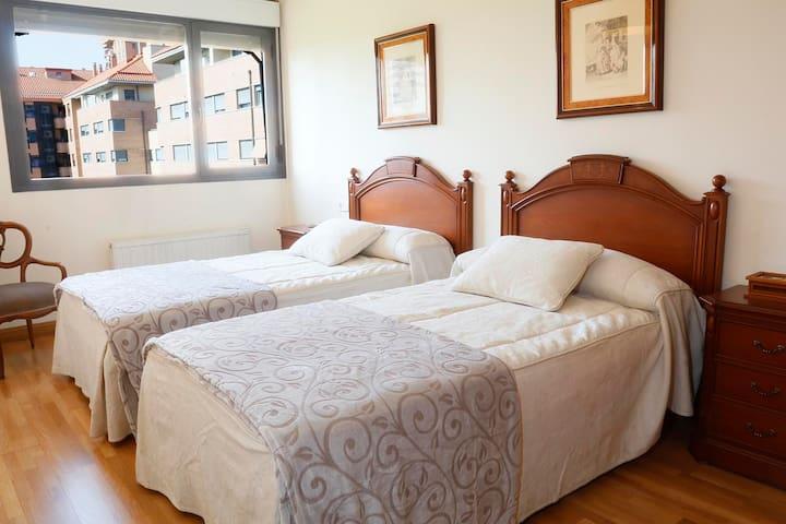 Apartamento 4 personas + plaza parking - Logroño - Lägenhet