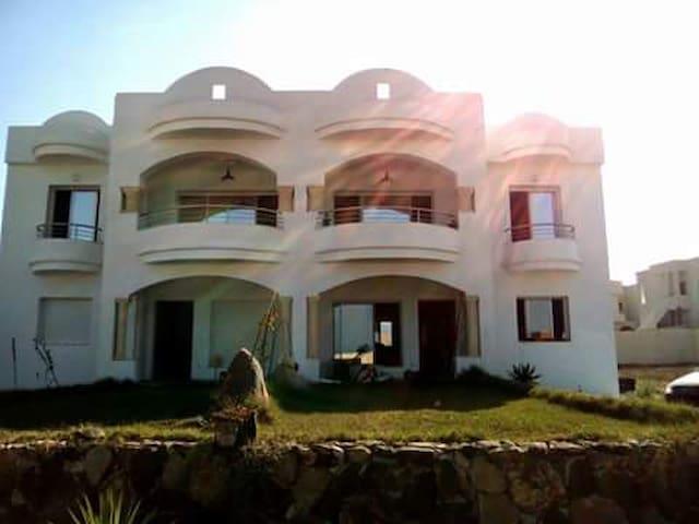 Appartamenti sulla spiaggia - Ezzahra - Lägenhet