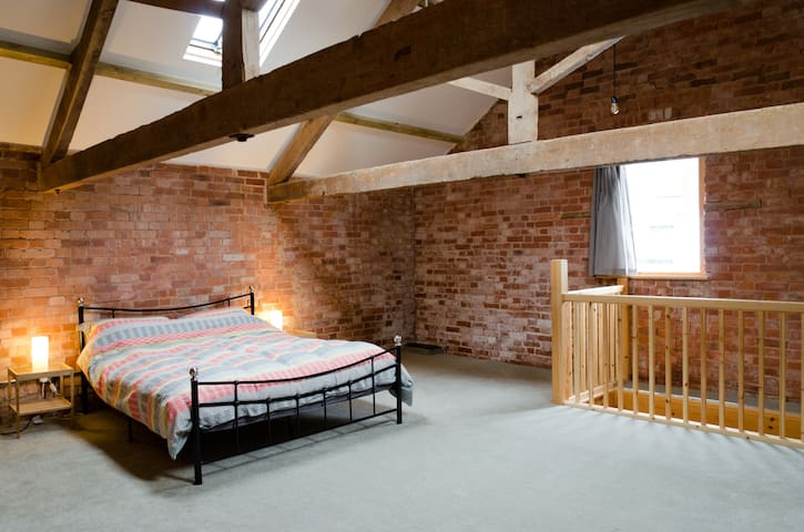 Cosy Grain Store Conversion. - Crediton - Hus