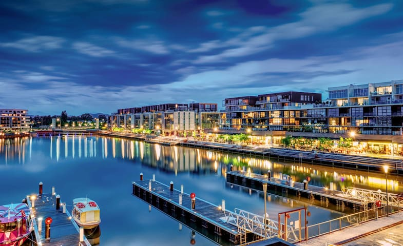 NEW waterfront apartment in 2017!! - Kingston