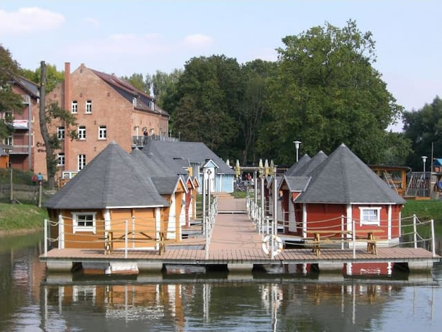 Floating cabin for 3 people 2.3 - Eberstedt - Houten huisje