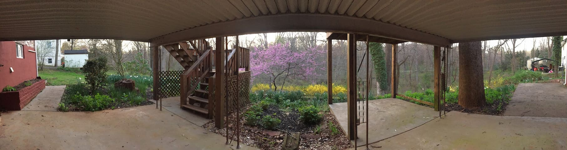 Quiet Cozy Dwelling Close to UVA - Charlottesville