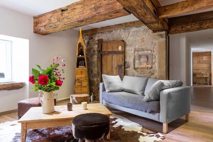 Farm renovated with taste-boldness - La Bresse