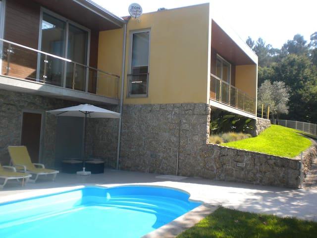 Casa de campo do Ermal, natureza eterna disponível - Villa