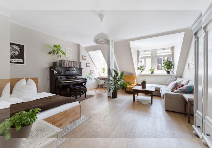 Central + Beautiful flat - Dresden - Lägenhet