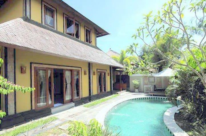 Canggu Private Threebedrooms Villa  - Noord Kuta - Villa