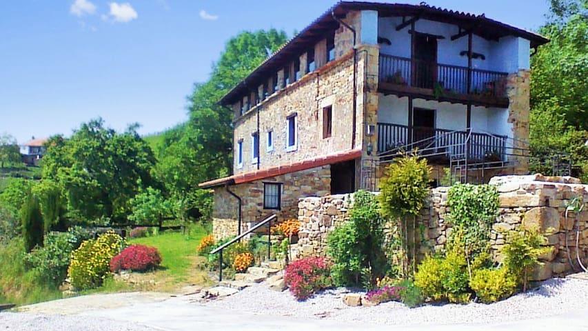 Herrliches Haus mit Bergblick - Ampuero