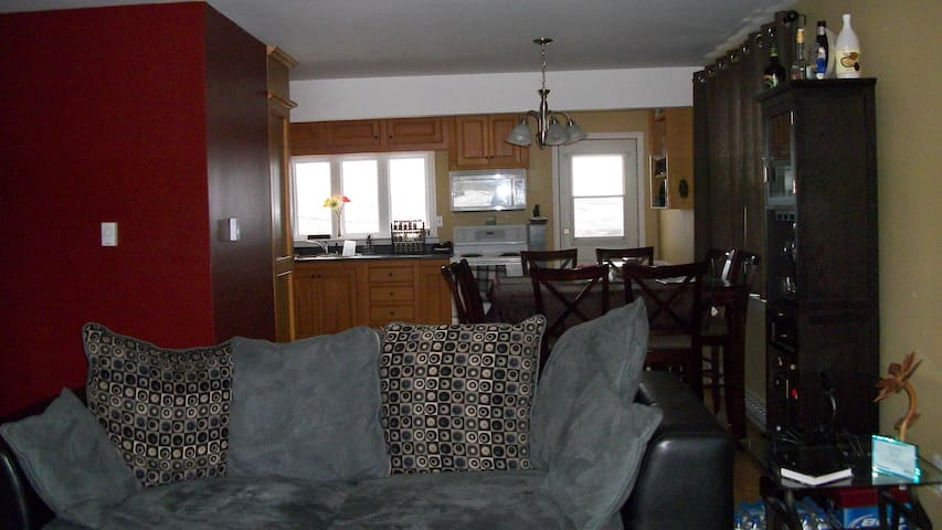 Beautiful & Bright-House with VIEW! - St. John's - Ev