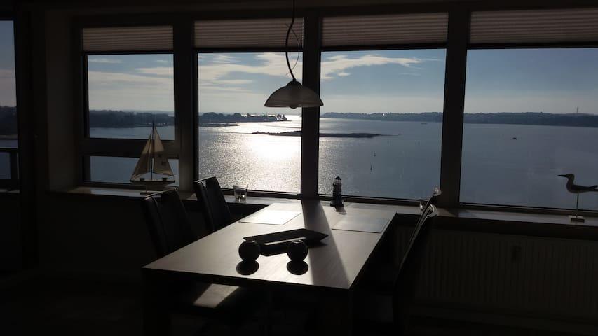 "Maritimes Apartment ""Ostseefjord-Schlei-Blick"" - Schleswig - Apartamento"