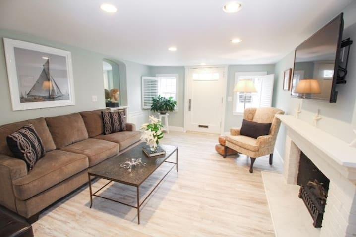 Impecccable One Bedroom Condominium - 普利茅斯 - 公寓