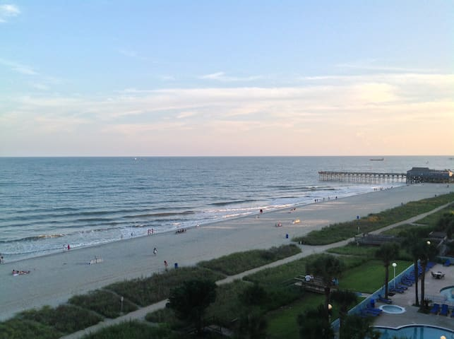 "Direct ""OCEANFRONT"" Condo in Sunny Myrtle Beach - 默特爾比奇 - 公寓"
