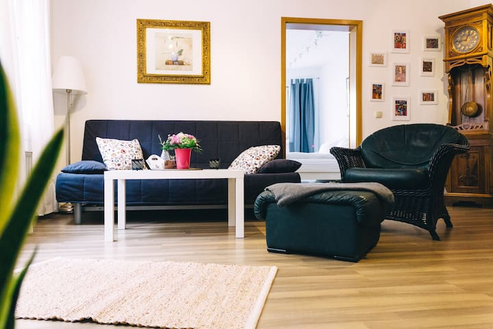 Direkt am Domplatz! Gemütliche 2-Zimmer Wohnung - Erfurt - Apartemen
