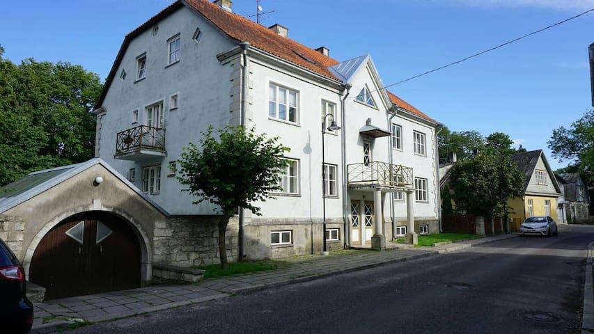 Old town/city centre apartment - Kuressaare - Apartamento