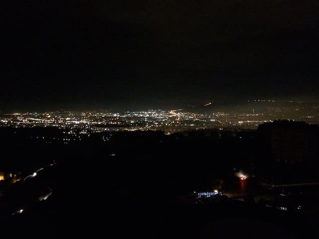 İzmir manzaralı şirin oda - İzmir - Apartament