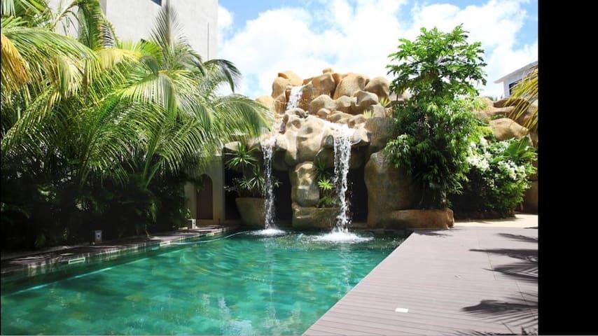 Spacious 3 Bedroom Luxury Apartment - Flic en Flac - Leilighet