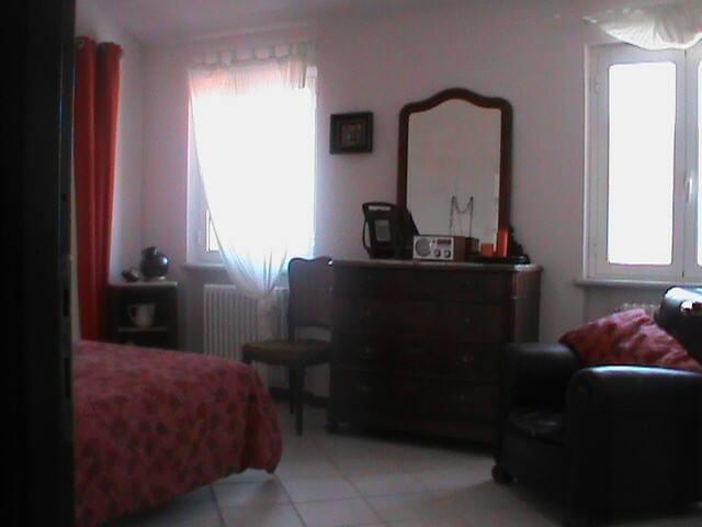 La Suite Garibaldi alla Tana del Tasso - Magliolo - Bed & Breakfast