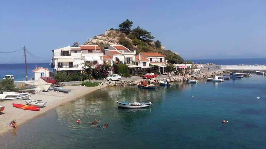 Beach House Kokkari Samos - Kokkari - Ev