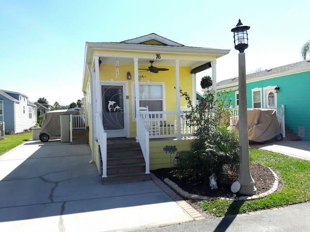 Cozy Sand Castle Cottage Disney  (4 People) - Kissimmee - Casa