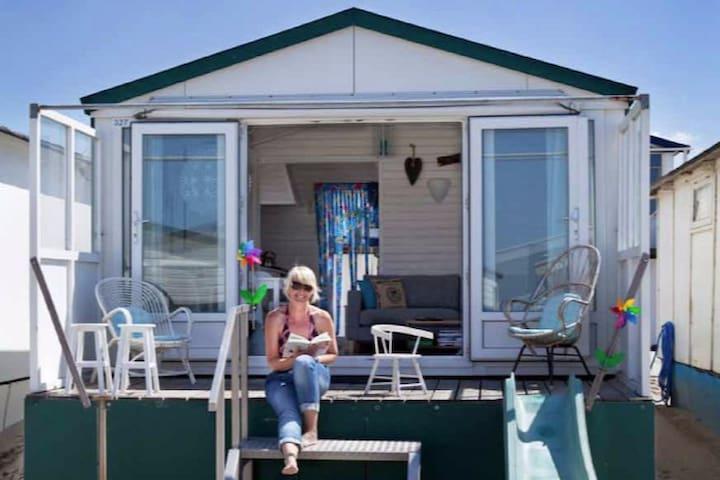 Lovely beach house beach cottage IJmuiden - IJmuiden - Kulübe