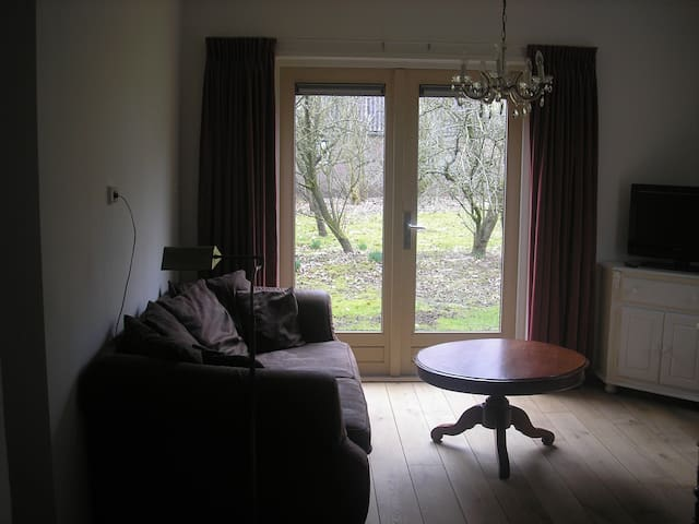 Koetshuis vrijstaand sfeervol - Luinjeberd - Stuga