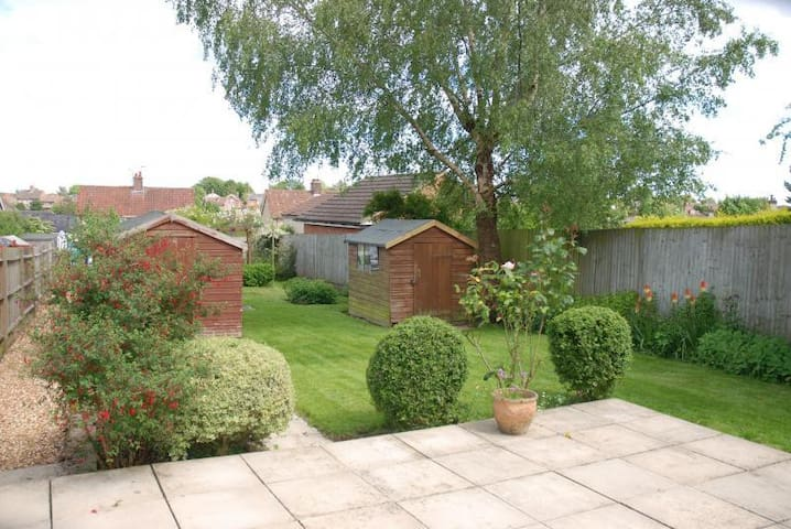 Hungerford: Private double room and own bathroom - Hungerford