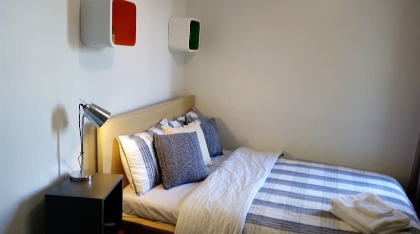 Close to the Airport & City + Free Brekky & WiFi - Adelaide - Appartement