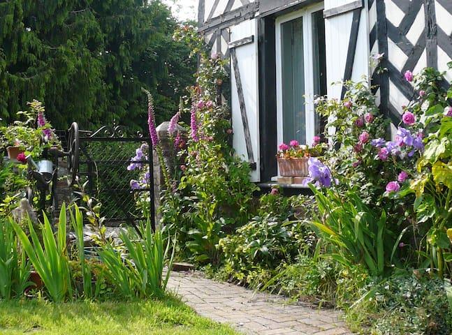 Charmant cottage normand: nature et animaux - Épaignes - Casa