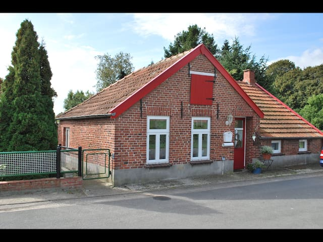 The smallest house at the end of the world! - Moormerland - Huis