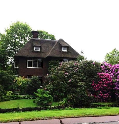 Countryhouse amidst Tulip fields-1 - Warmond - Villa