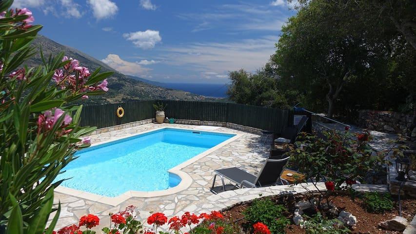Superb Villa with private Pool, Stunning Sea Views - Makriotika - Villa