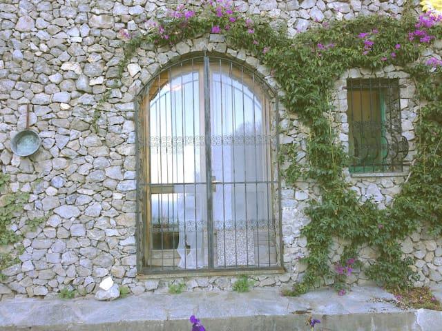 Casetta in pietra vista mare - Noli - Casa