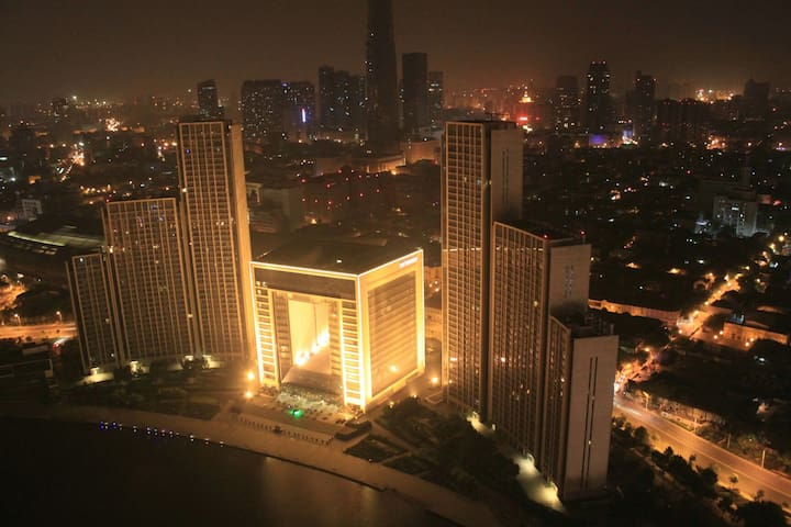 步行可至80%的景点,近天津站,房间很干净舒适清爽哦..青年人的乌托邦 - Tianjin - Vindsvåning