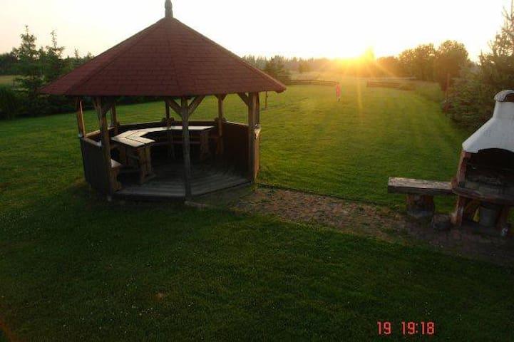 Druga z chatek za wsią - Czarny Dunajec - Bungalo