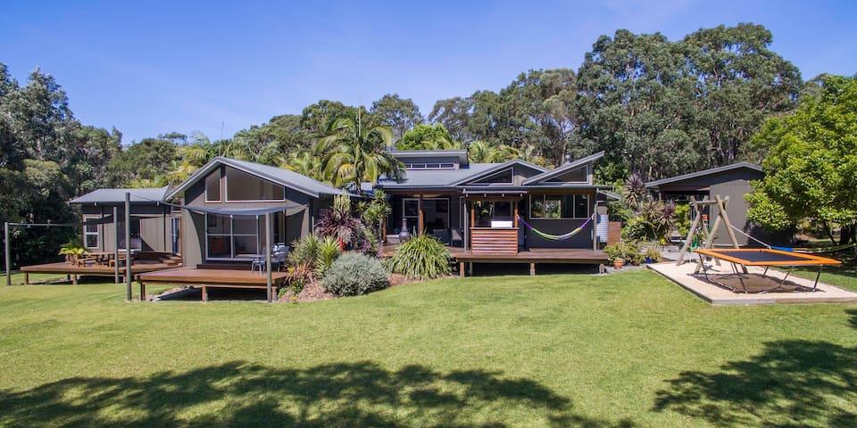 Moora Moora - The best of beach and bush - Charlotte Bay - Casa
