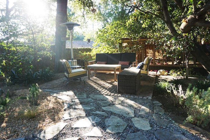 Mid-Century Guest House with Private Entrance - Sierra Madre - Konukevi
