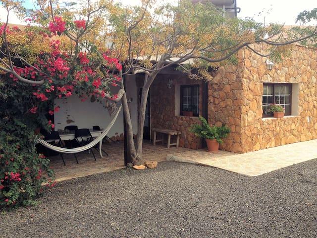 Luxury authentic Casa Florita - Antigua