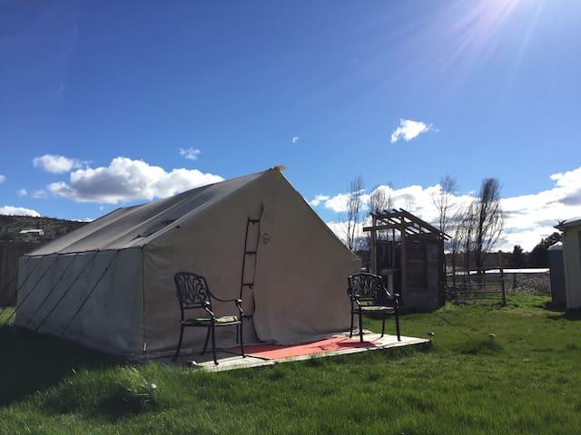 Smith Rock Boutique Camping - Terrebonne - Tent