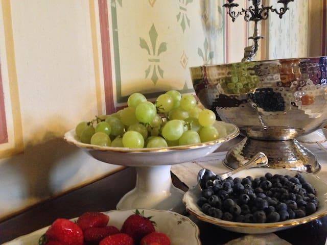 Elegante suite con bagno - Mornico Losana - Slott