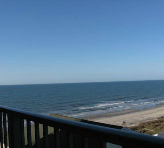 Beach Lover's Condo With Spectacular Ocean Views! - North Myrtle Beach - Apto. en complejo residencial
