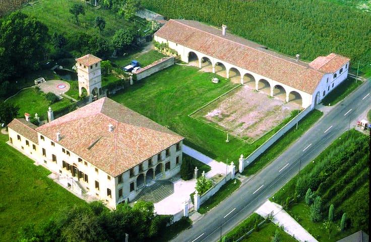 ViviLa Villa: appartamenti in Dimora Storica - Brugine - Villa
