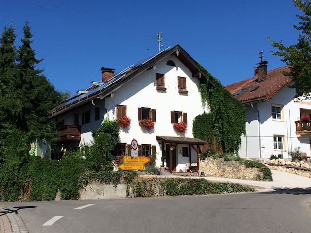 Country-Style Apartment at the Romantic Road - Reichling