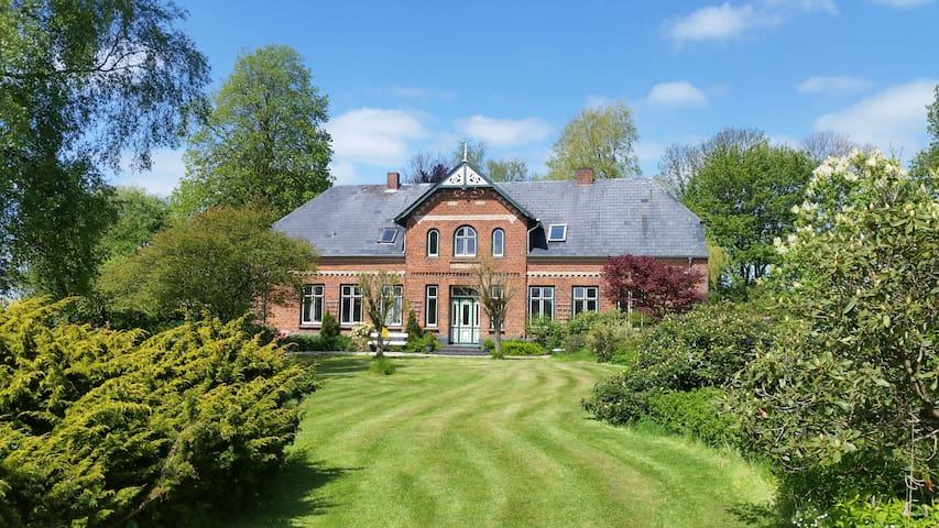 Schöne Ferienwohnung im Landhaus - Mittelangeln - Ev