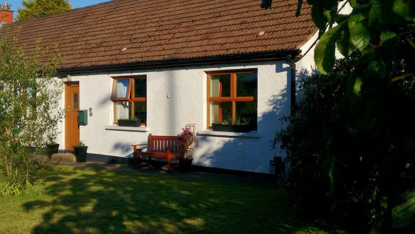 Comfortable Double Room & Breakfast in Cottage - Carrickfergus