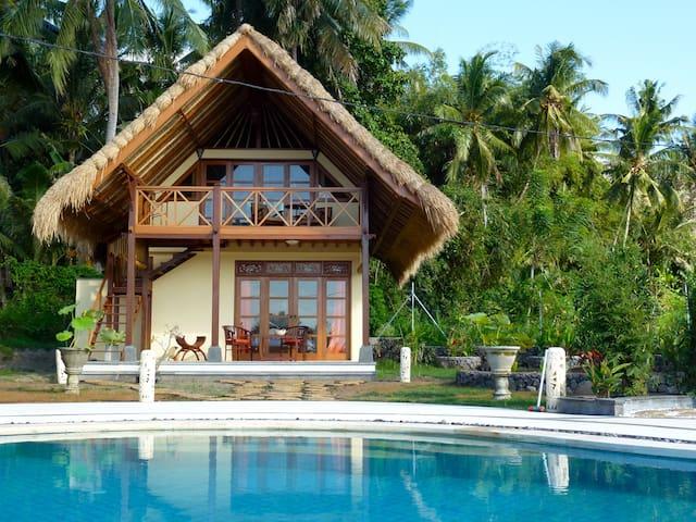 Cottage Lotus  traumhaftes Ost-Bali - amlapura - Bed & Breakfast