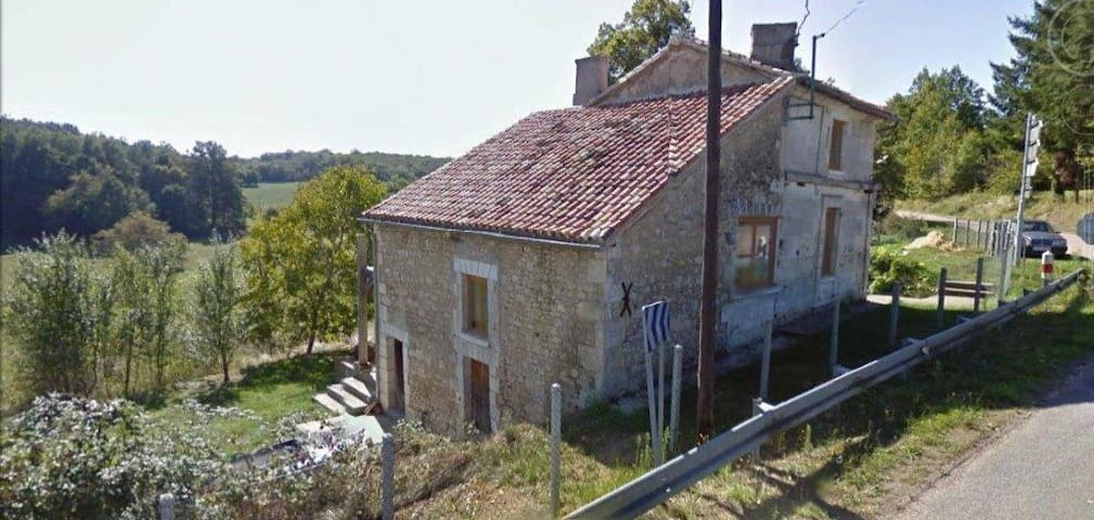 Great views, French barn conversion - Saint-Sulpice-de-Mareuil - Hus