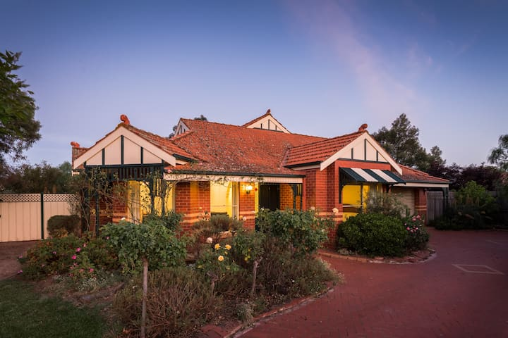 Hoppers Crossing. Elegant Family Home. - Hoppers Crossing - Huis