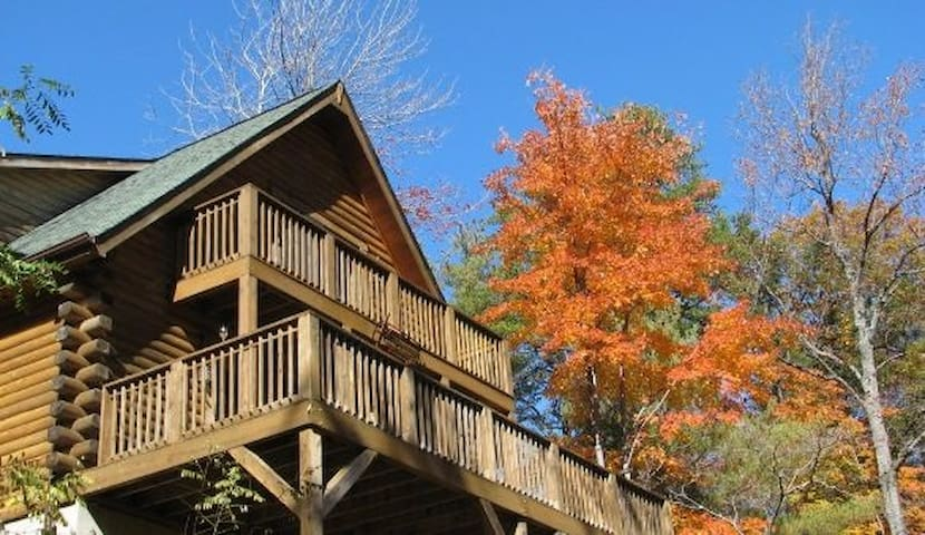 Secluded Cabin beside state park - Connelly Springs - Cabaña