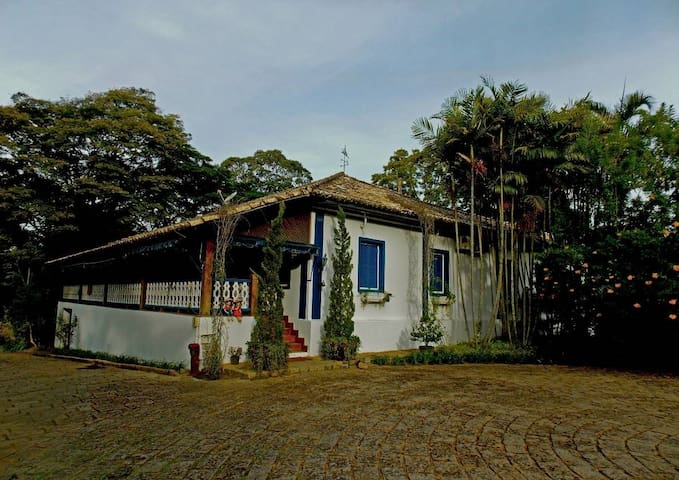 Tranquilidade, Conforto e Natureza Exuberante - Amparo - キャビン