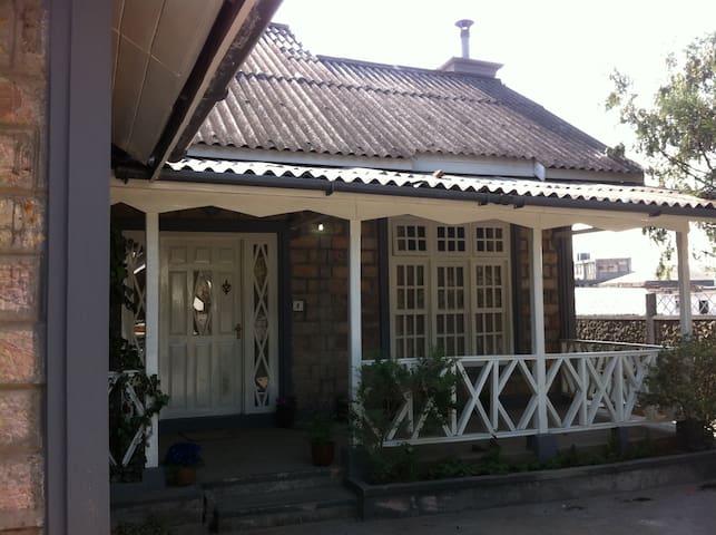Russet Homestay - Shillong - Casa