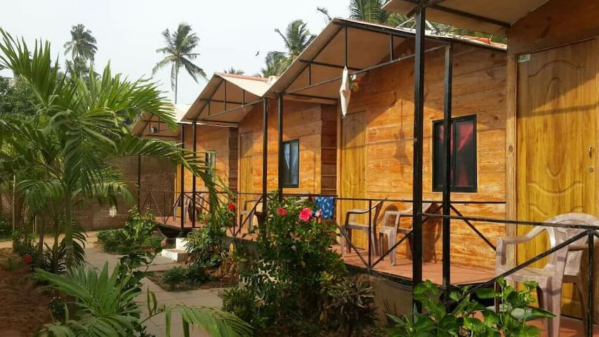 The Spring Beach Cottages,Calangute - Calangute  - Chatka